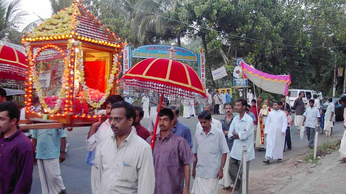 Eine Prozession in Kerala: Religiöse Feiern sind dort oft sehr bunt und lebendig. Foto: Michael Bönte