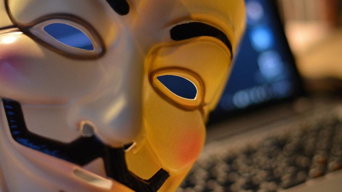 Viele Täter im Netz arbeiten mit falschen Identitäten.