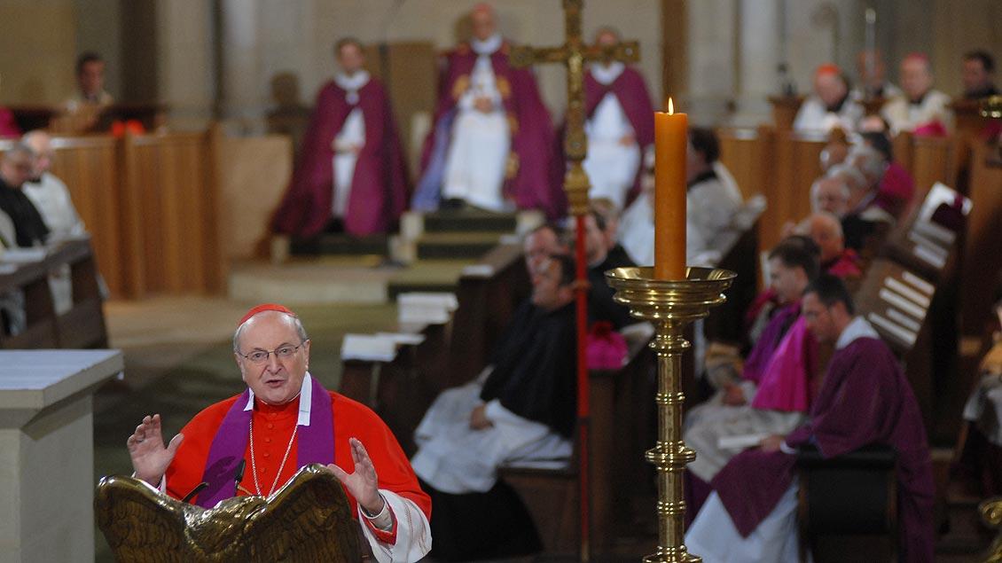 Ansprache im St.-Paulus-Dom bei den Feierlichkeiten zum 75. Geburtstag von Bischof Reinhard Lettmann im Jahr 2008. | Foto: Michael Bönte