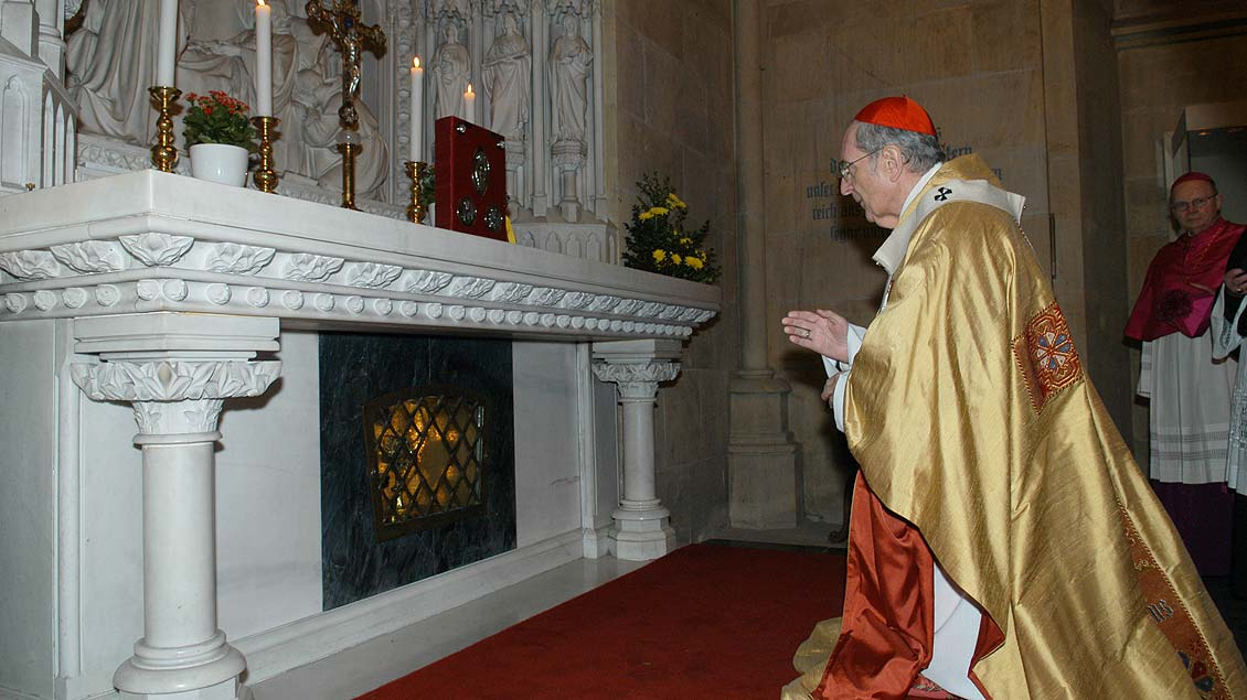 Kardinal Meisner am Ludgerusfesttag 2005 im Billerbecker Dom. | Foto: Michael Bönte