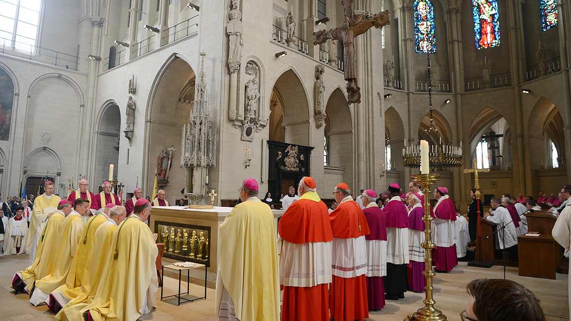 Viele Bischöfe waren zu Weihe nach Münster gekommen. | Foto: Michael Bönte