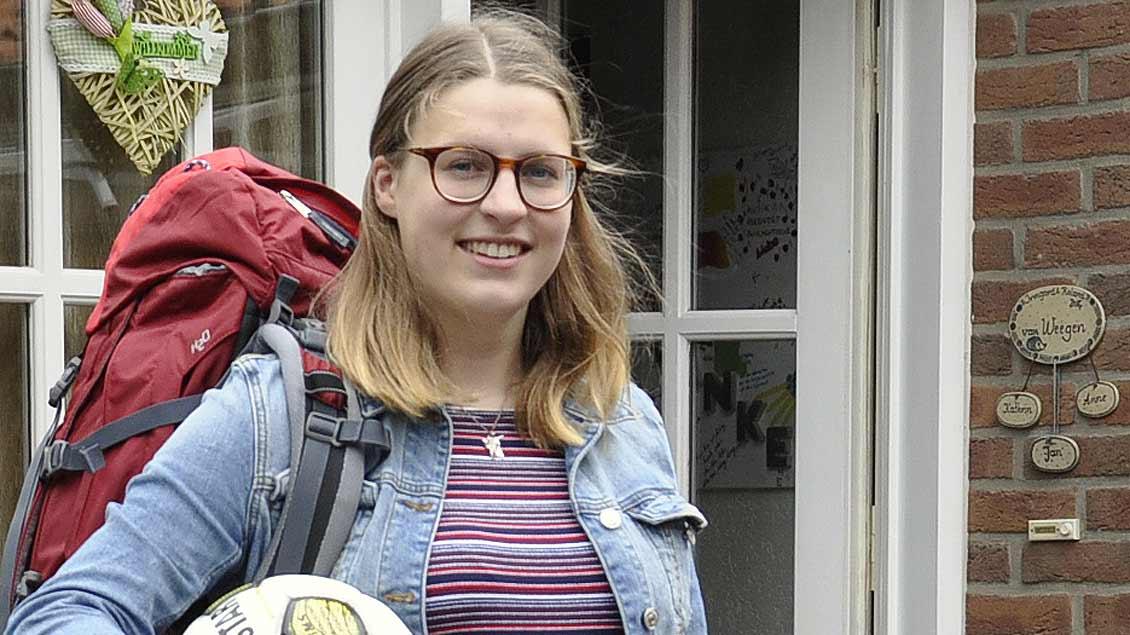 Anne van Weegen aus Kalkar ist startklar. Ende August reist sie für ein Jahr nach Afrika. | Foto: Christian Breuer (pbm)