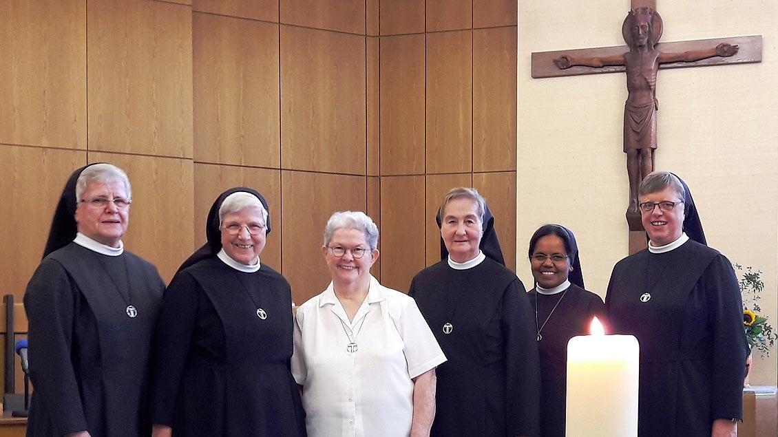 Die Schwestern der neuen Provinzleitung (von links): M. Gabriele Löpenhaus, M. Herbertis Lubek, Sherrey Murphy (Generaloberin des Ordens), M. Otgundis Aagten, Leemary Sebastian und M. Hiltrud Vacker.