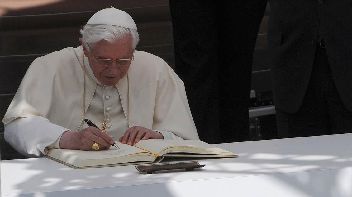 Papst-Serie auf Netflix mit Anthony Hopkins