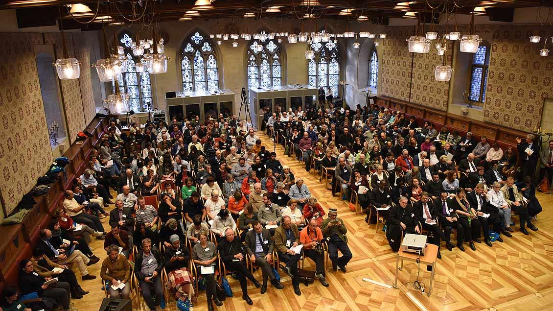 Der Saal im historischen Rathaus von Münster war voll  besetzt, als es um das Thema Migration ging. | Foto: Michael Bönte