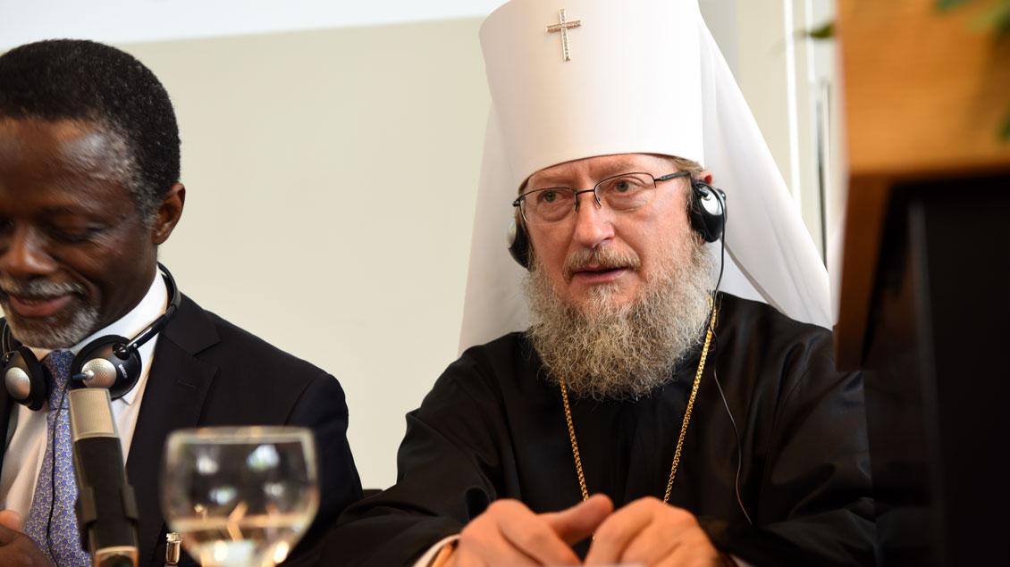 In der Diskussion: Metropolit Anatolij (rechts) und der UN-Sondergesandte Parfait Onanga-Anyanga.