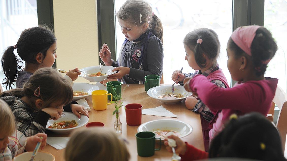 Übermittagsbetreuung in Kindertagesstätten