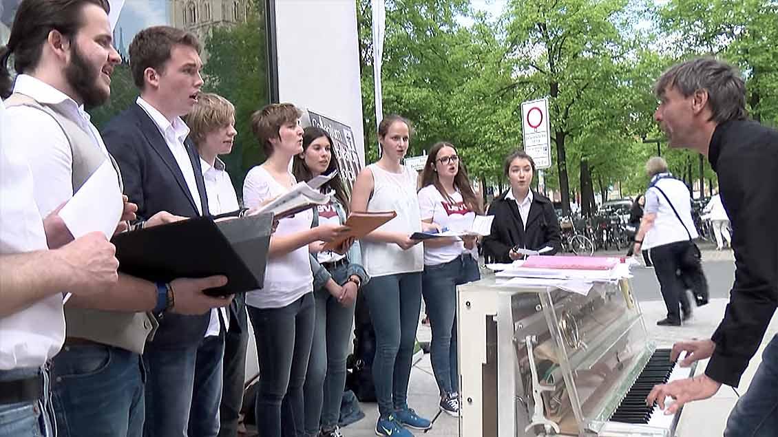 """Von 19 Plätzen schallte am Samstag der """"AufKLANG"""" in Münsters Innenstadt"""