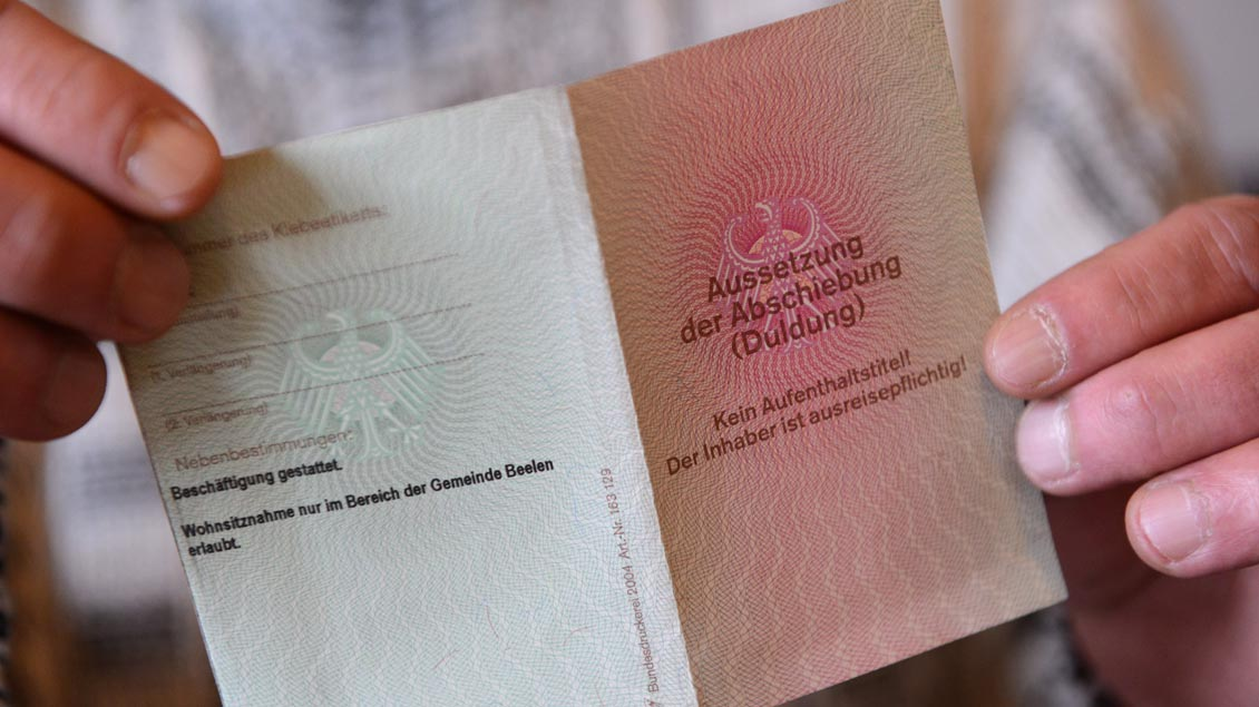 Duldungs-Pass zur Aussetzung der Abschiebung von Flüchtlingen.