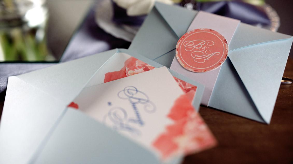 Einladung zur Hochzeit: Um Antwort wird gebeten.