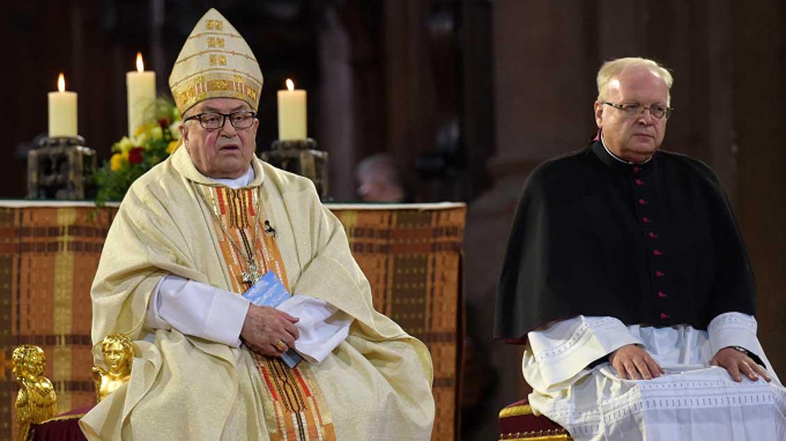 Kardinal Karl Lehmann (links), hier im Gottesdienst zur Weihe seines Nachfolgers als Bischof, Peter Kohlgraf, am 27. August.