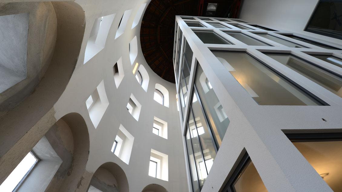Blick in die ehemalige Dreifaltigkeitskirche in Münster, in der heute Wohnungen eingerichtet sind.