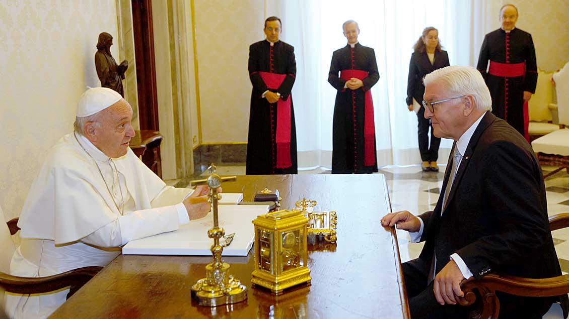 Papst Franziskus empfängt Bundespräsident Frank-Walter Steinmeier.