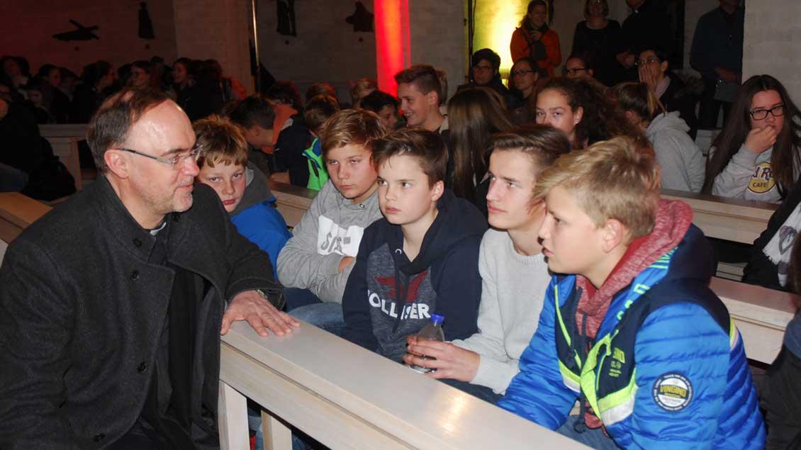 Jugendkatechese mit Weihbischof Lohmann