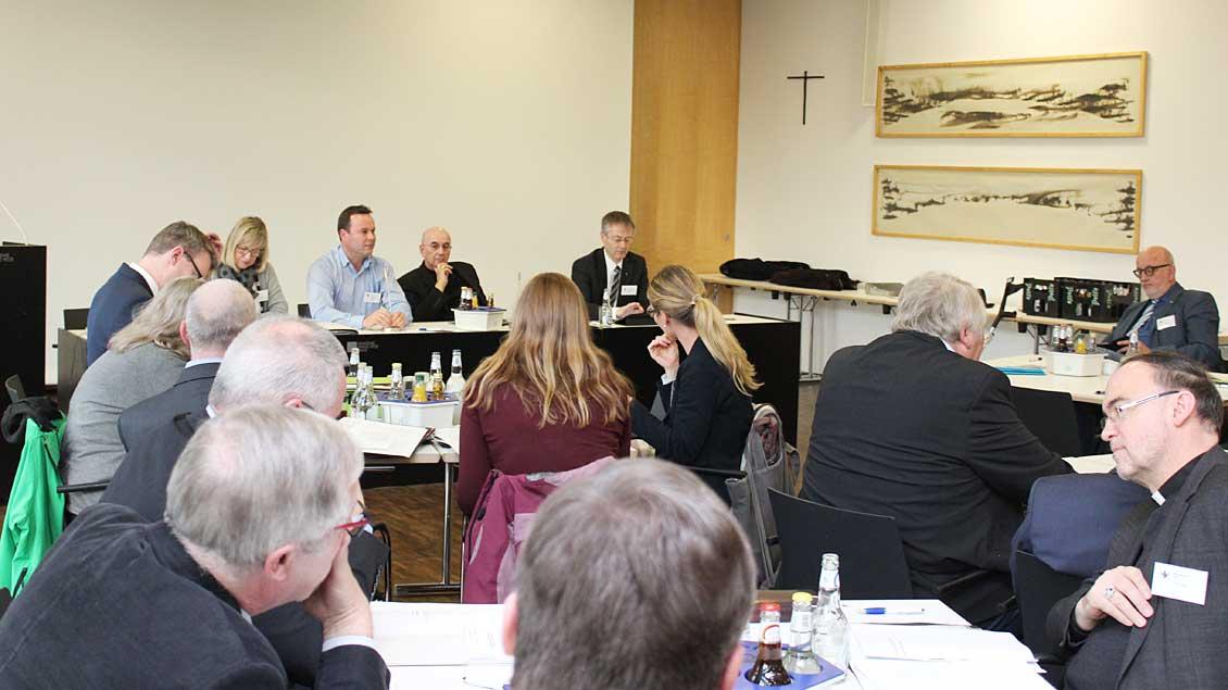 Der Diözesanrat, das oberste synodale Mitwirkungsgremium im Bistum Münster, bei seiner Sitzung im Franz-Hitze-Haus.