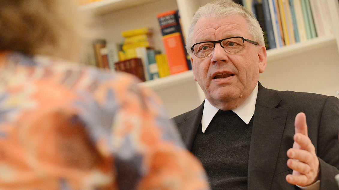 Weihbischof Dieter Geerlings im Gespräch 2012. | Foto: Michael Bönte