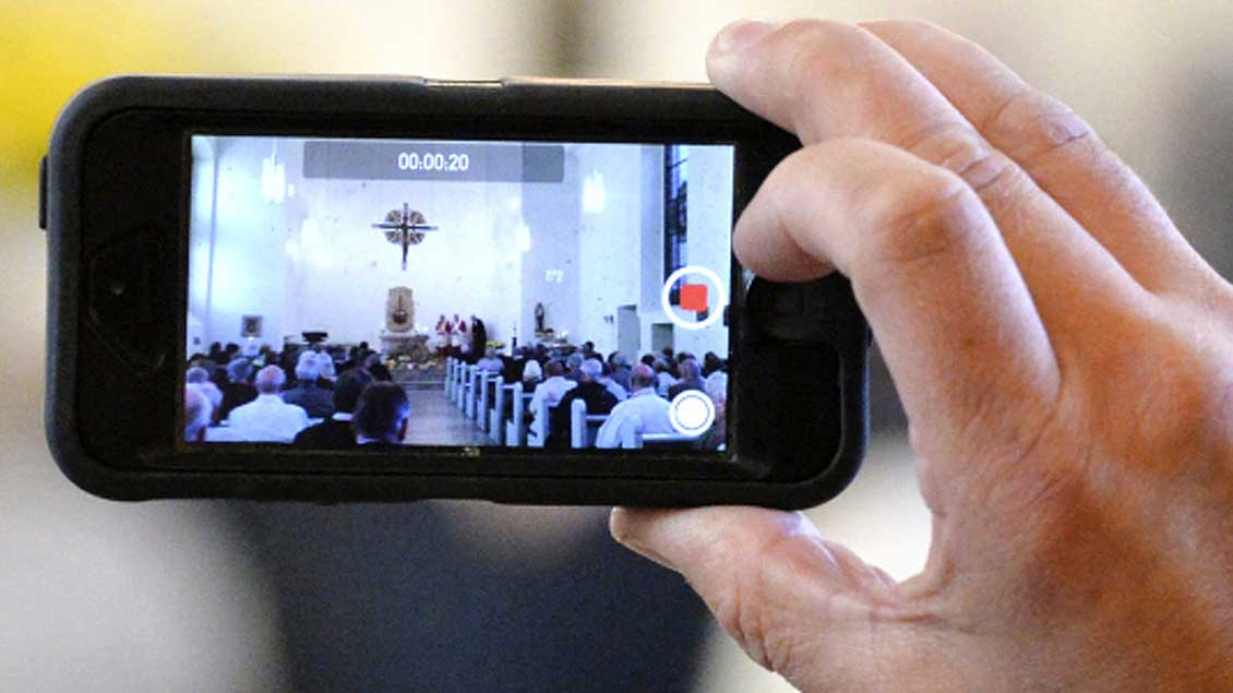 Gottesdienst Foto: KNA