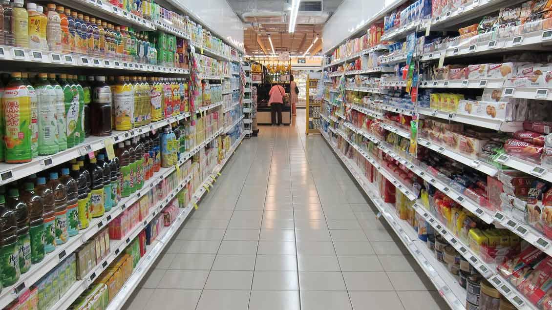 In manchen Bundesländern dürfen Supermärkte an Heiligabend öffnen, obwohl es 2017 ein Sonntag ist.