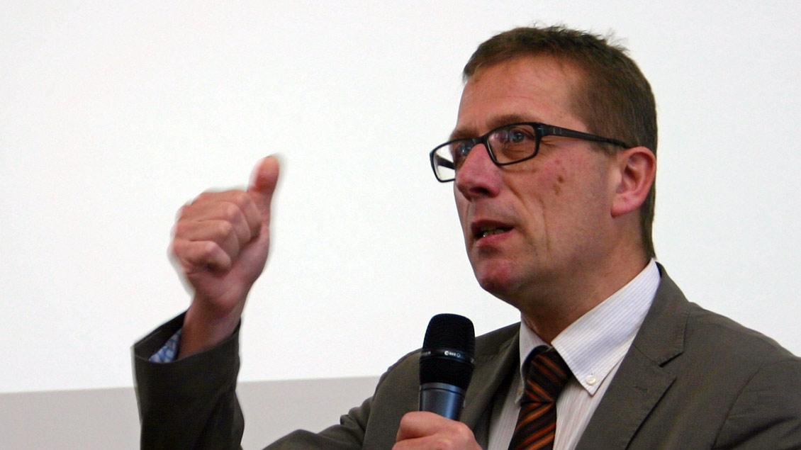 Dr. Thomas Schüller ist Professor für Kirchenrecht an der Katholisch-Theologischen Fakultät der Universität Münster. Foto: Jens Joest