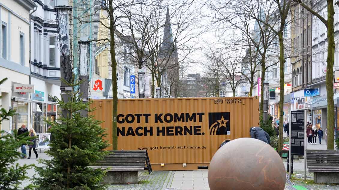 """Container """"Gott kommt nach Herne""""."""