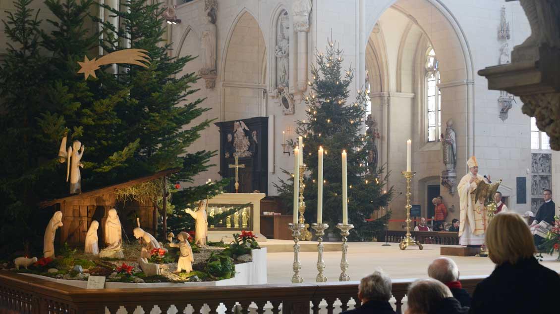 Blick auf die Krippe im St.-Paulus-Dom.