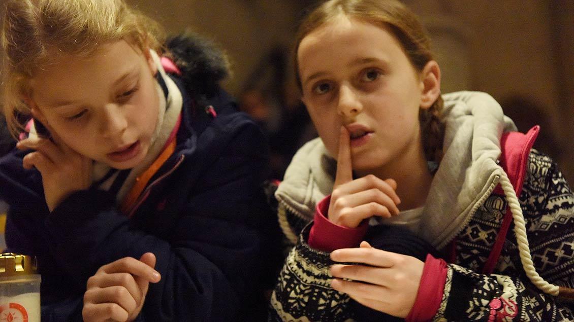 Zum ökumenischen Gottesdienst kamen 1300 Pfadfinder und Pfadfinderinnen mit ihren Begleitern in den St.-Paulus-Dom. | Foto: Michael Bönte