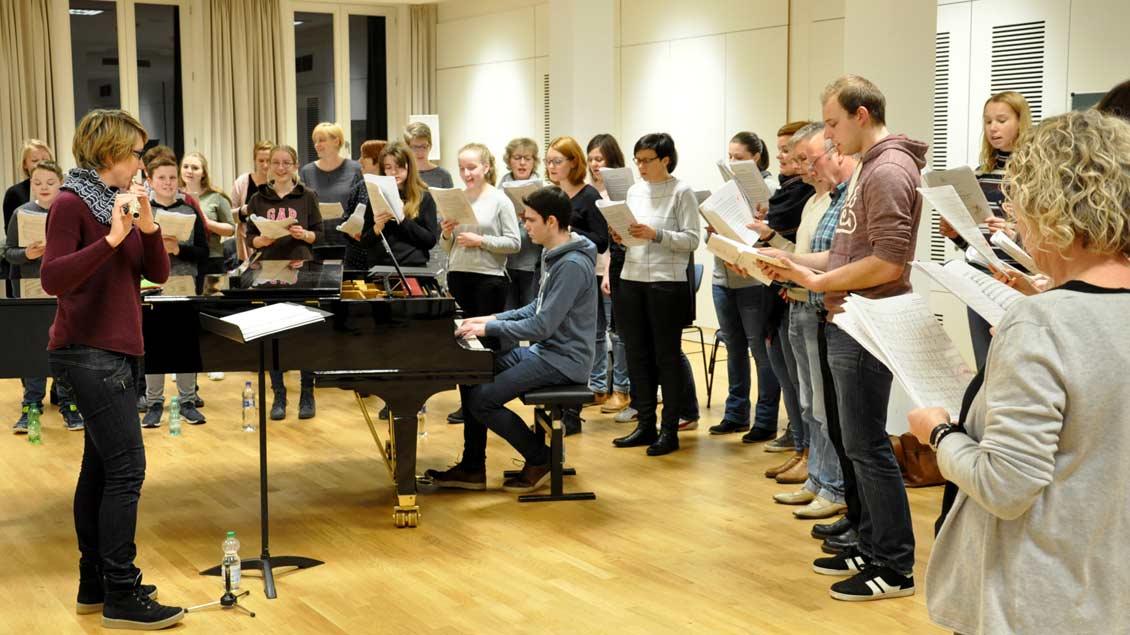 Der Projektchor Singfonie hat viele Advents- und Weihnachtslieder im Repertoire.