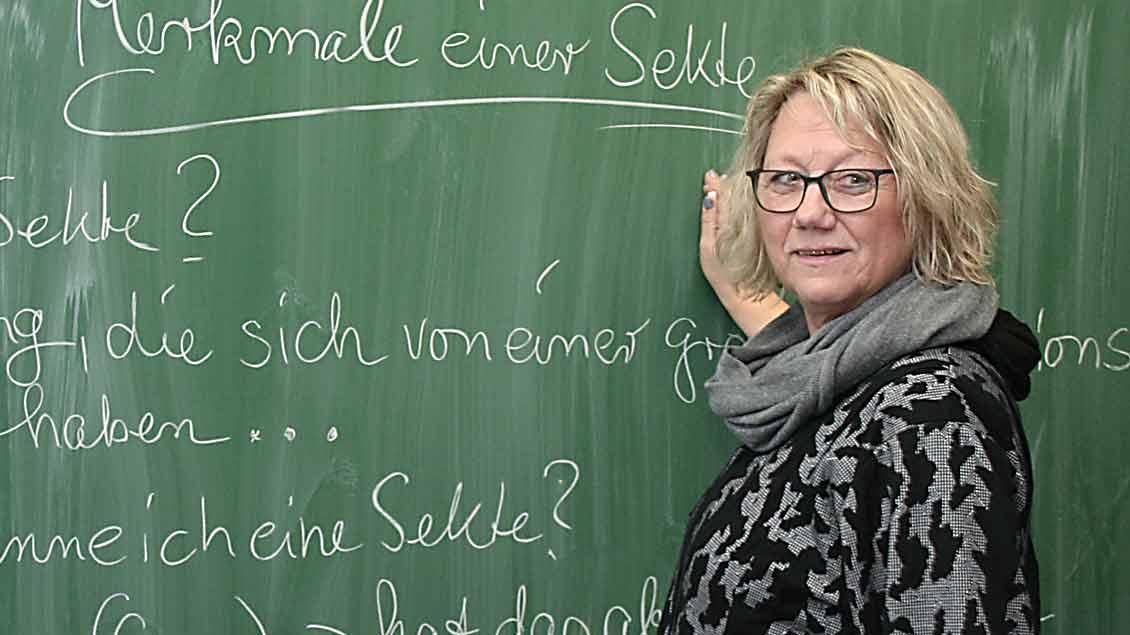 Religionslehrerein Ulrike Friedek