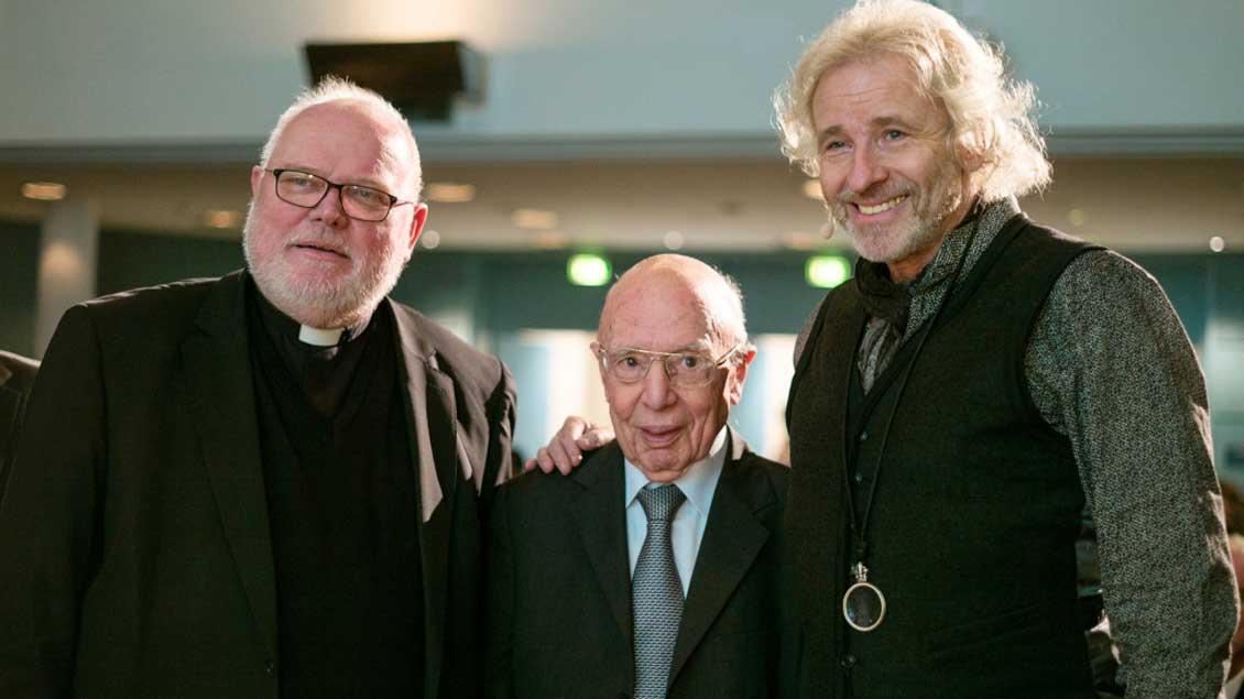Zu Gast in der katholischen Journalistenschule ifp (von links): Kardinal Reinhard Marx, ifp-Gründungsdirektor Wolfgang Seibel und Thomas Gottschalk. Foto: KNA
