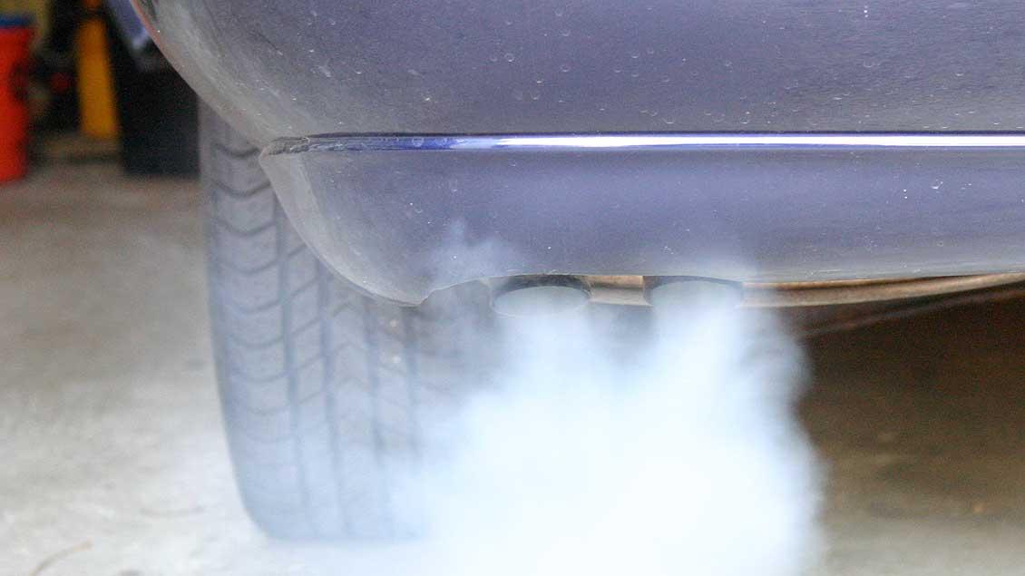 Die Abgase deutscher Autos stehen seit Monaten im Zentrum eines Skandals.