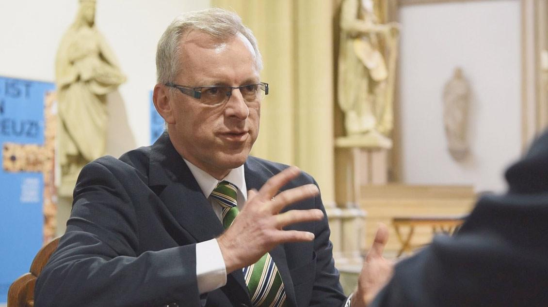 Pfarrer Dördelmann im Interview mit Kirche-und-Leben.de.