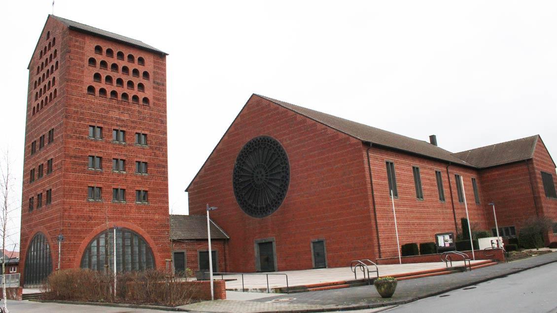 Die St.-Marien-Kirche in Ochtrup wurde 1953 geweiht und hat etwa 600 Sitzplätze.