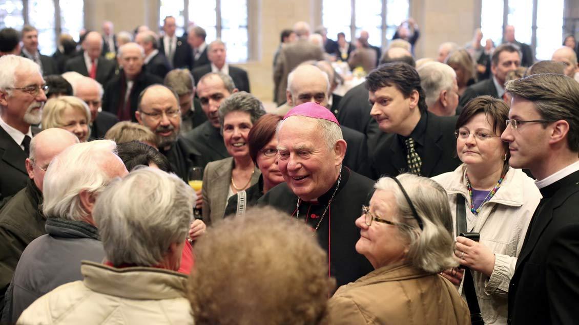Weihbischof Ostermann begeht 2008 sein goldenes Priesterjubiläum.