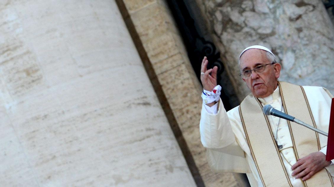 """""""Das ist unmenschlich. Man kann das Böse nicht mit dem Bösen bekämpfen"""", mahnte Papst Franziskus am Sonntag in Rom."""