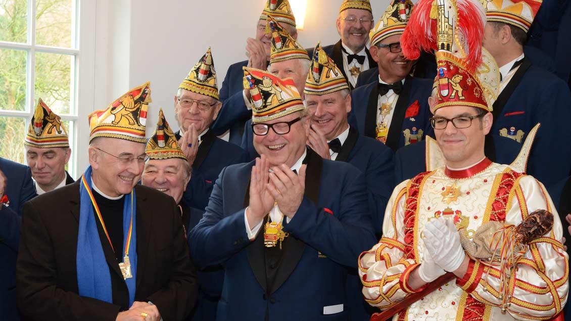 Bischof Felix Genn empfing die Karnevalisten.