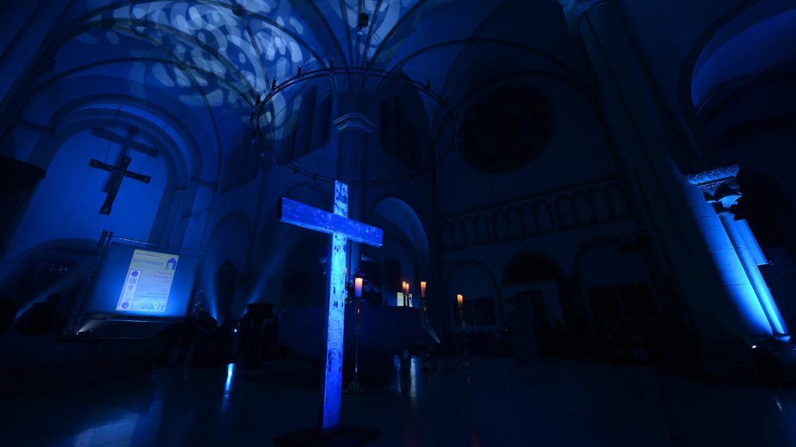 Das Lampedusa-Kreuz in einem Jugendgottesdienst in Recklinghausen.
