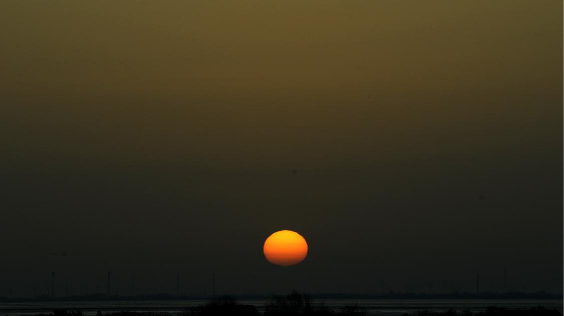 Sonnenaufgang an der Nordseeküste.