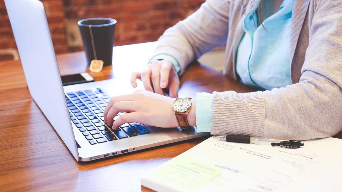 E-Learning am heimischen Computer.