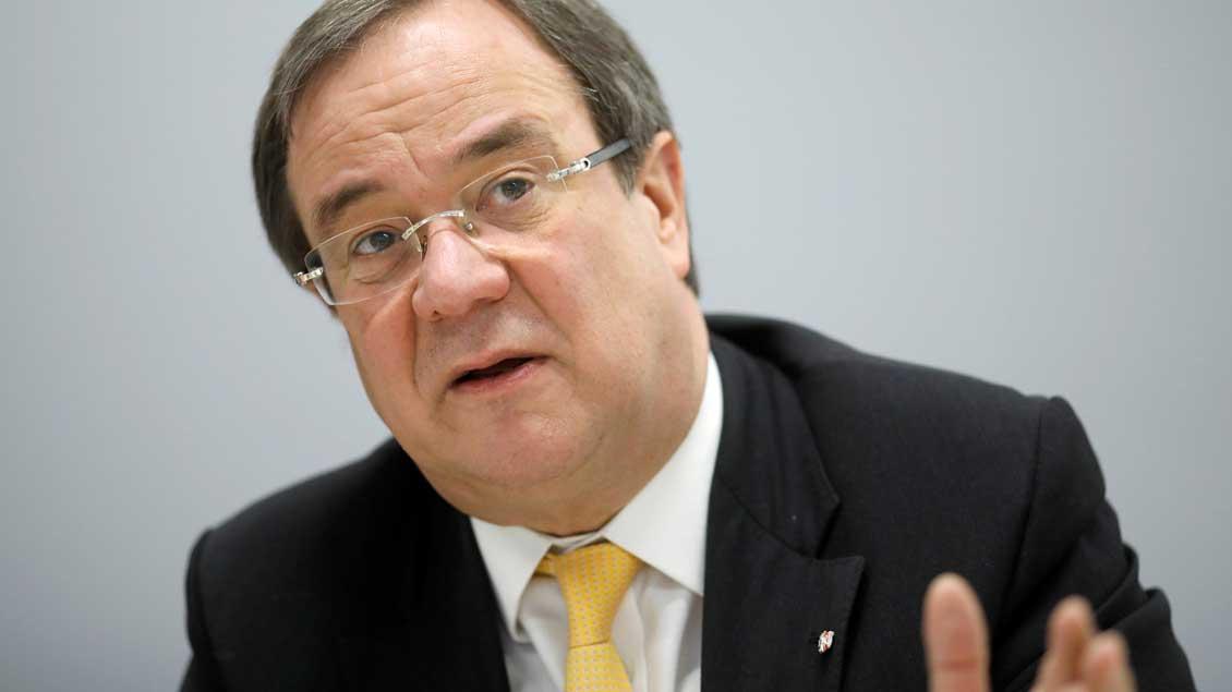 "Der ""Freckenhorster Kreis"" attackiert auch NRW-Ministerpräsident Armin Laschet (CDU), der bekennender Katholik ist. Foto: Axel Schmidt (Reuters)"