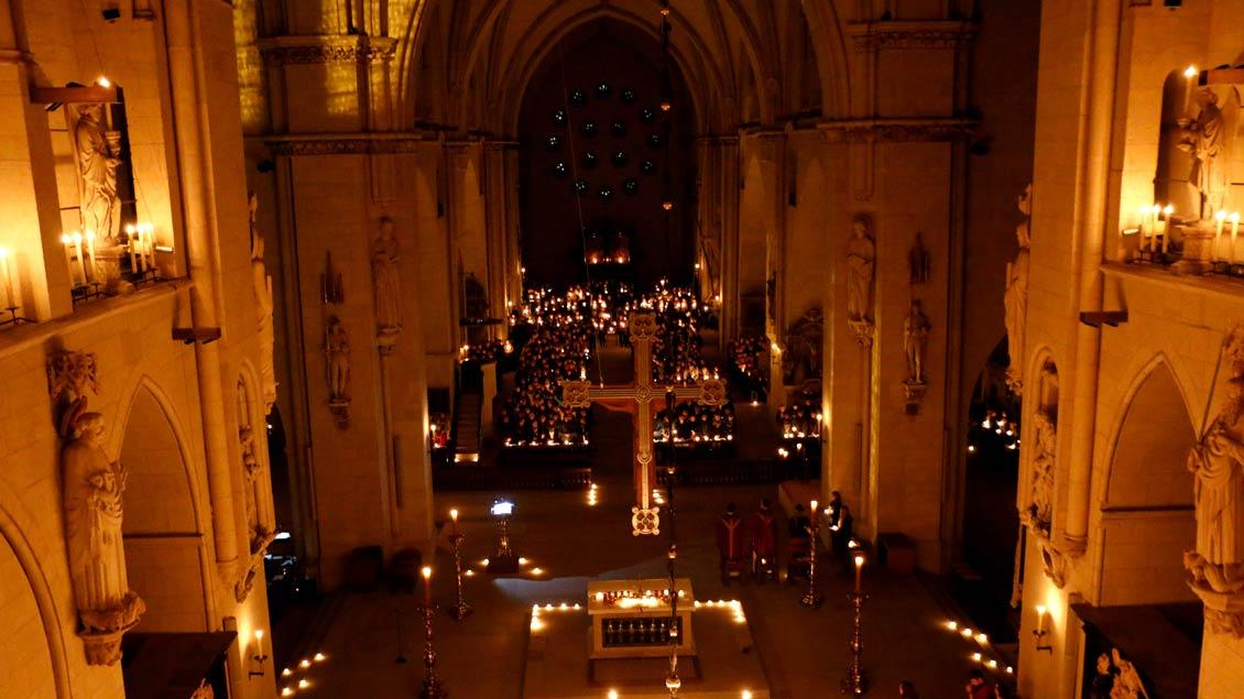 """Münster Dom soll am Sonntag Abend ein Ort für """"Bitten, Zweifel und Hoffnung"""" sein."""