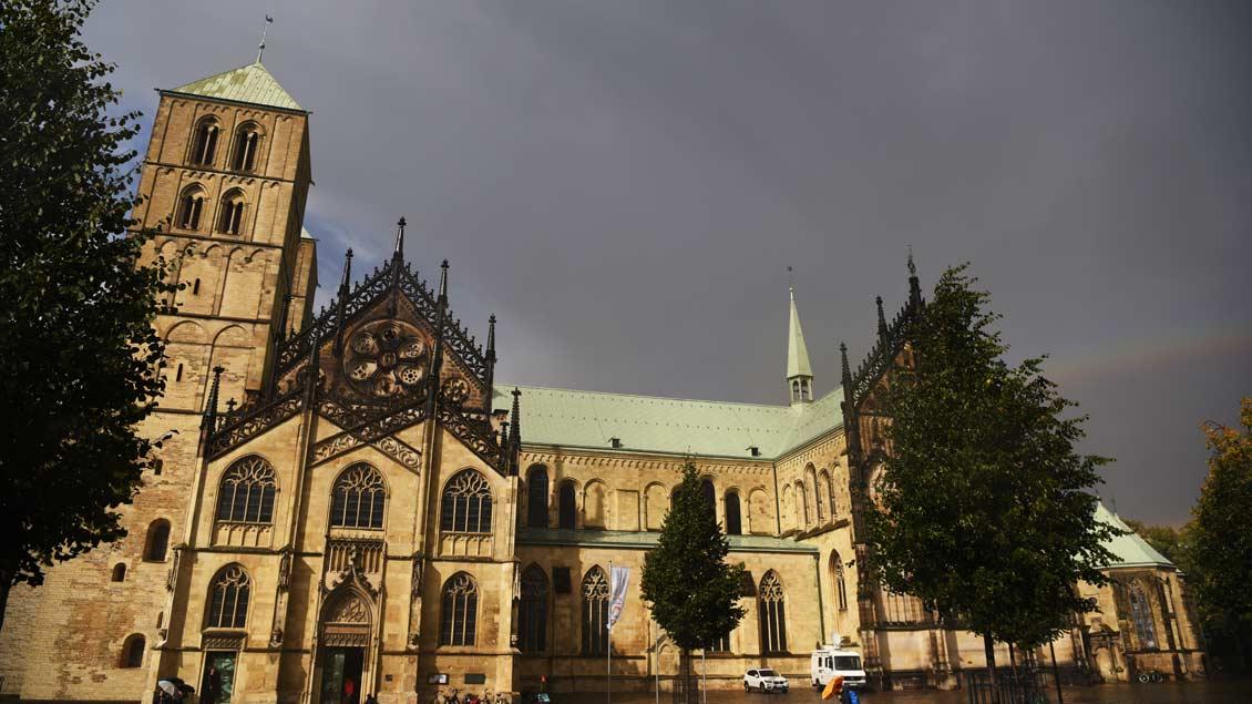 In Münsters Dom wurden nach dem tödlichen Vorfall die Probe für eine Gottesdienst-Übertragung abgesagt. Der Dom blieb zunächst geschlossen.