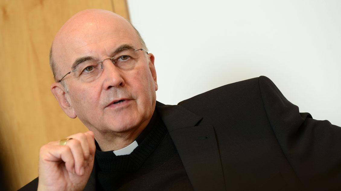Der Papst tritt zurück: Bischof Felix Genn im Gespräch mit der Presse.