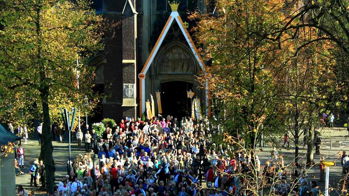 Der Wallfahrtsort Kevelaer am Niederrhein zieht Jahr für Jahr Tausende Pilger an.