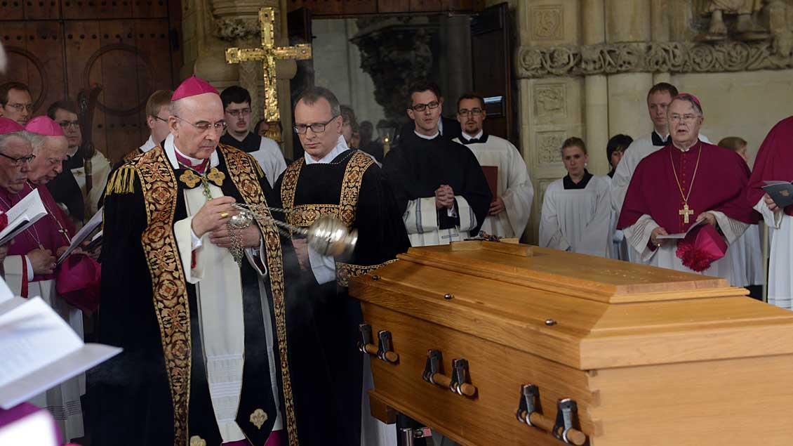 Beisetzung vom Reinhard Lettmann.