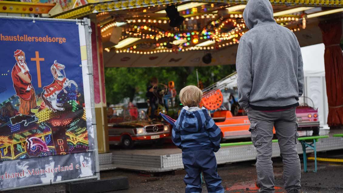 Auch Karussells gibts beim Katholikentag - bei der Schaustellerseelsorge. | Foto: Michael Bönte