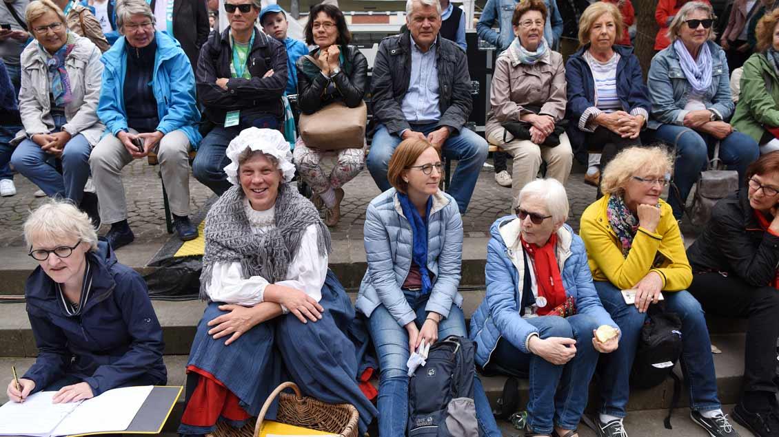 Typisch Westfalen: eine Kiepenfrau. | Foto: Michael Bönte