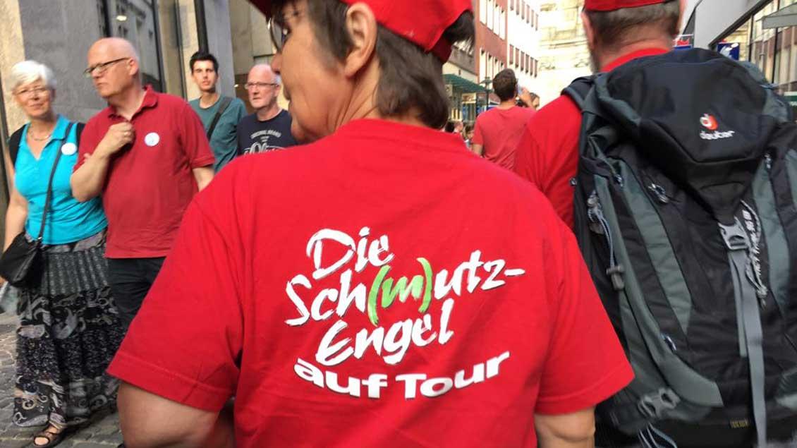 Die Sch(m)utz-Engel aus Hattingen traten auch auf dem Katholikentag in Münster auf. | Foto: Marie-Theres Himstedt