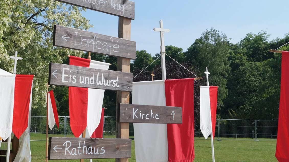 Ein Dorf in der Stadt beim Katholikentag.