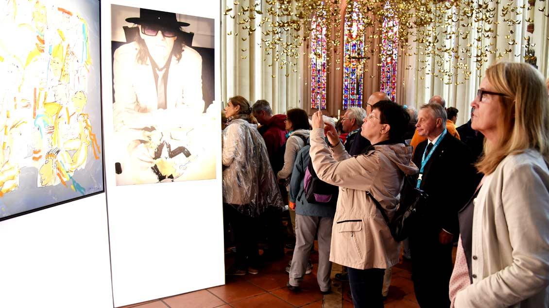 """Zwei Wochen lang war die Ausstellung """"Udos 10 Gebote"""" in der Liebfrauen-Überwasserkirche in Münster zu sehen."""