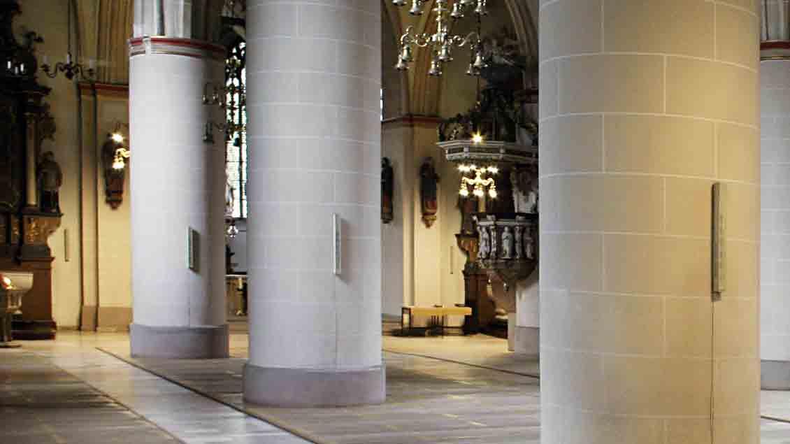 Die dicken Säulen in der Vechtaer Pfarrkirche.
